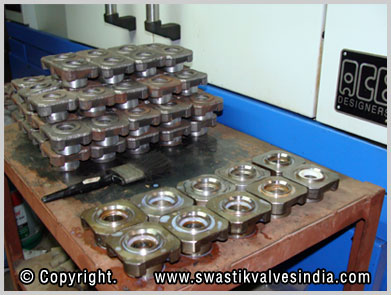 Ball Valves - 3 Piece Ball Valves - Gun Metal Foot Valves manufacturing unit - swastik Valves Ludhiana Punjab India